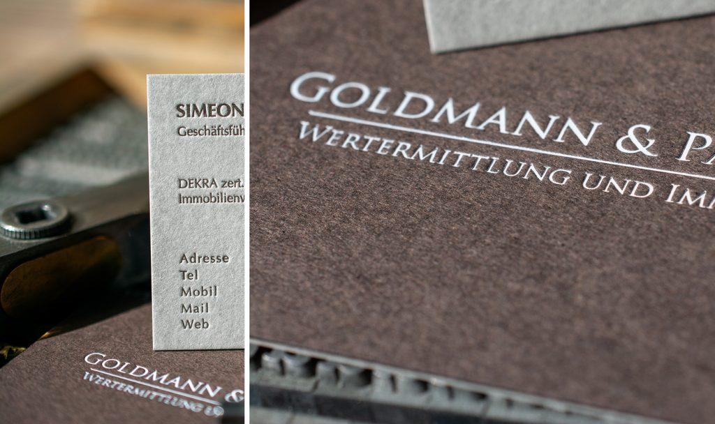 Wir können auch Papiersorten mit verschiedenen Farben, Grammaturen und Texturen kaschieren.